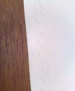 Oliebehandlet teak - malet hvid uden grunding og spartling.